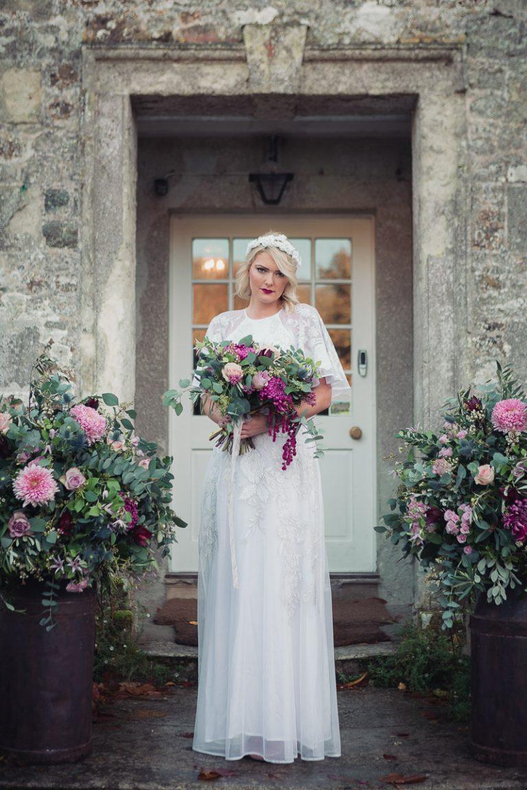 Botanical Vintage Northcourt Manor styled bridal wedding photoshoot.  Photography by Lucy Boynton-Jones and Chris Jones.